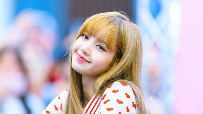 """Lisa """"Blackpink"""" Resmi Jadi Wanita Tercantik se-Asia, Ini 5 Potret Kecantikannya"""
