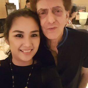 foto mesra ahmad albar dan istri